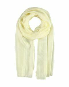 Ecru kleurige langwerpige zijden sjaal