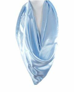 Lichtblauwe satijnen sjaal