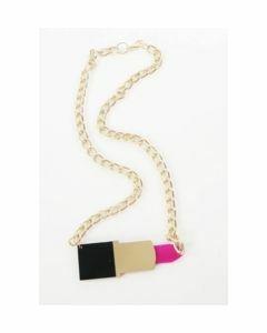 Goudkleurige halsketting met trendy lipstickhanger