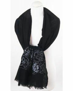 Zwarte wollen sjaal met zilvergrijs geborduurde bloemen