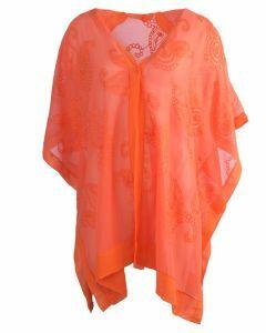 Oranje kimono met geborduurde paisley