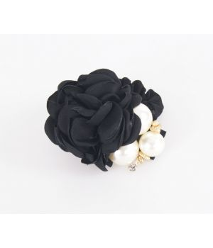 Haarelastiek met zwarte roos en parels