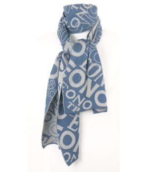 Denimblauw met taupe-grijs gebreide sjaal met letter-dessin