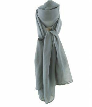 Lichtgrijze effen crêpe sjaal