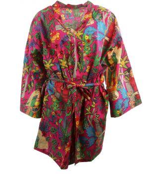Korte hardroze katoenen kimono met Frida Kahlo print